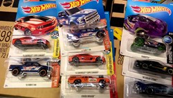 Picture of Hot Wheels C4982 Basic Car Assortment (72) Multi-Colored
